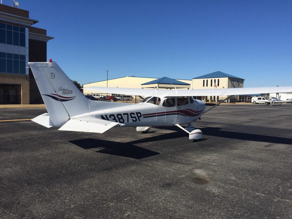 N387SP – 1999 Cessna C-172S | Wings of Eagles Flight School Fleet